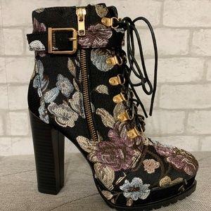 NIB Shoe Dazzle Platform floral boot - 7